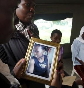 ARA:reuters Somalia-Nairobi-Garissa-Kenia-que_ARAIMA20150407_0041_18